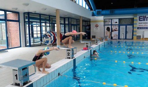 Mikołajkowe Szkolne Zawody Pływackie