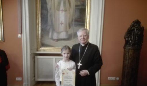 """Sukces naszej uczennicy w Diecezjalnym Konkursie Plastycznym: """"Święty Jan Paweł II, czyli jak Karol został papieżem"""""""