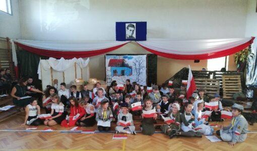 Młody, zdolny, ofiarny – patron naszej szkoły Krzysztof Kamil Baczyński