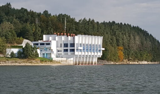 Rejs edukacyjny po Jeziorze Dobczyckim.