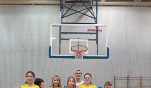 Reprezentacja Szkoły Podstawowej nr 1 na Gminnych Zawodach Koszykówki