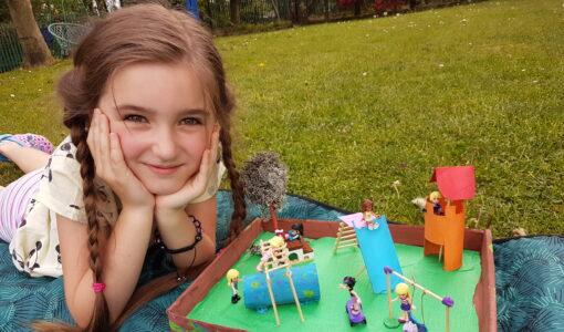 Makiety placu zabaw wykonane przez uczniów klasy 2a